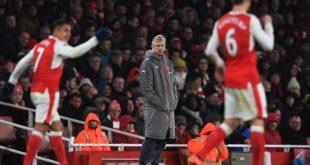 mặt sân cỏ nhân tạo, Arsene Wenger, Arsenal,
