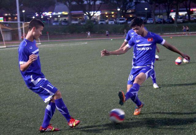sân cỏ nhân tạo, cỏ nhân tạo, vòng loại Asian Cup, đội tuyển Việt Nam, mặt cỏ nhân tạo, sân cỏ tự nhiên,