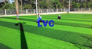 Thi công sân bóng cỏ nhân tạo, Sân bóng cỏ nhân tạo, Cỏ nhân tạo, Lê Hà Vina, Lắp đặt cỏ nhân tạo